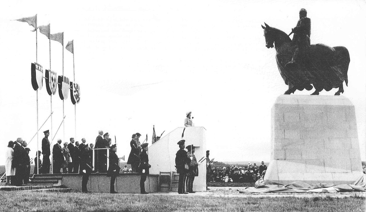 The Unveiling of the statue of King Robert the Bruce at Bannockburn on 24 June 1964, the 650th anniversary of the battle.